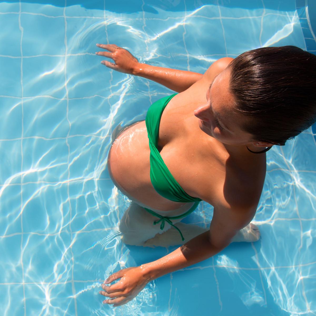 exercicios-durante-a-gravidez-beneficios-modalidades-e-cuidados-necessarios-hidroginastica
